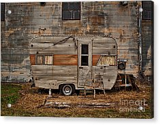 Old Vintage Rv Camper In The Mississippi Delta Acrylic Print by T Lowry Wilson