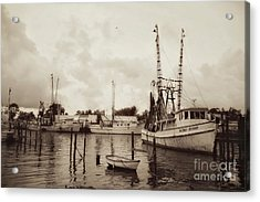 Acrylic Print featuring the photograph Oriental Harbor by Benanne Stiens