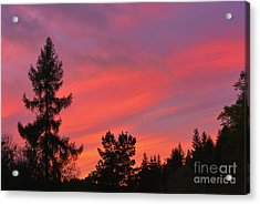 Red Sky At Night. Acrylic Print by Stan Pritchard