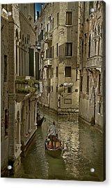 Rio Menuo O De La Verona Acrylic Print by John Hix
