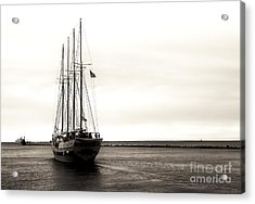 Sailing Lake Michigan Acrylic Print by John Rizzuto
