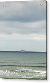 Acrylic Print featuring the photograph Sailing The Horizon by Linda Lees