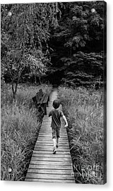 Acrylic Print featuring the photograph Stepping Into Adventure - D009927-bw by Daniel Dempster