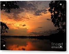 Acrylic Print featuring the photograph Sunset On Thomas Lake by Larry Ricker