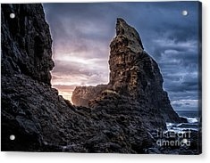 Talisker Bay Scotland - Isle Of Skye Acrylic Print by Matt Trimble