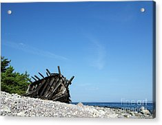 Acrylic Print featuring the photograph The Final Rest by Kennerth and Birgitta Kullman