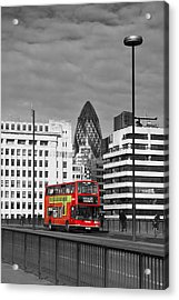The No 43 To London Bridge Acrylic Print by Hazy Apple
