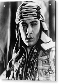 The Sheik, Rudolph Valentino, 1921 Acrylic Print by Everett