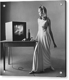 Twiggy With Television Monitor Acrylic Print by Bert Stern