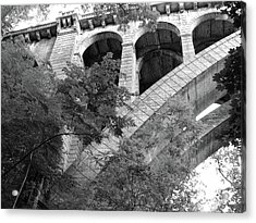 Acrylic Print featuring the photograph Under The Henry Avenue Brudge by Bill Cannon