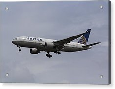 United Airlines Boeing 777 Acrylic Print