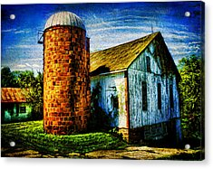Vintage Silo Acrylic Print by Trudy Wilkerson