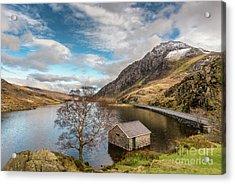 Winter At Llyn Ogwen Acrylic Print by Adrian Evans