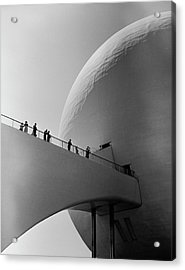 1939 Worlds Fair Visitors Entering The Acrylic Print by Alfred Eisenstaedt