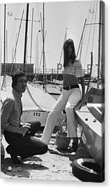 Jane Birkin And Serge Gainsbourg In Acrylic Print by Reporters Associes