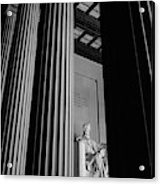 Abraham Lincoln Memorial Washington Dc Acrylic Print by Edward Fielding