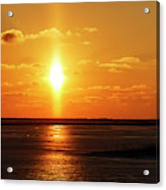 Sun Pillar 01 Acrylic Print by Rob Graham