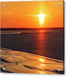 Sun Pillar 03 Acrylic Print by Rob Graham