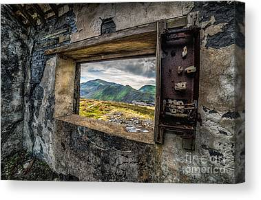 Snowdon Canvas Prints