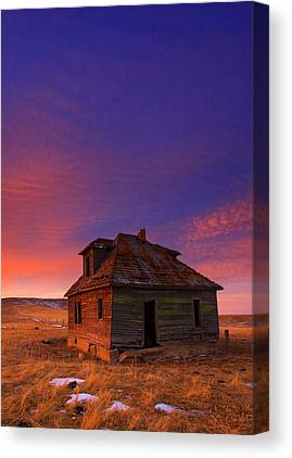 Old Farm Houses Canvas Prints