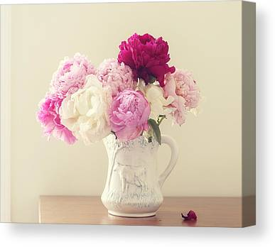 Shabby Chic Roses Canvas Prints