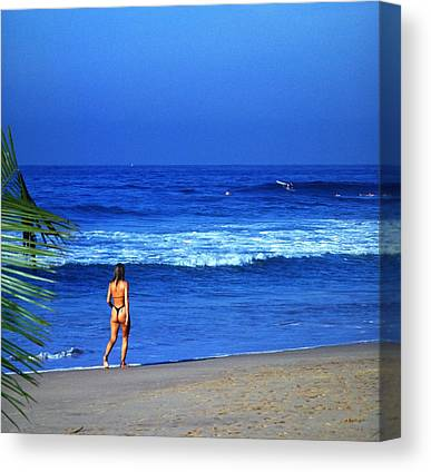 Green Travelpics Canvas Prints