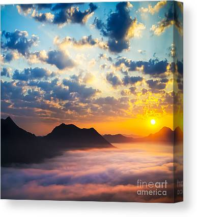 Dramatic Sky Sun Rays Canvas Prints