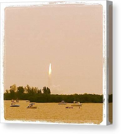 Space Shuttle Canvas Prints