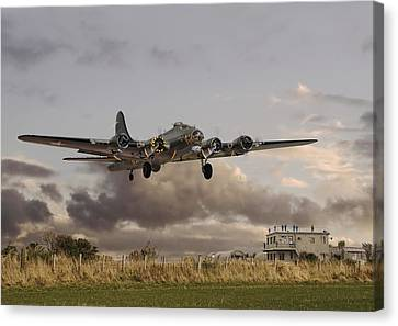 B17 Canvas Print -  B17- 'airborne' by Pat Speirs