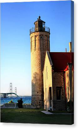 Mackinac Old Lighthouse. Canvas Print by Pat Cook
