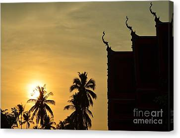Canvas Print featuring the photograph  Sunset In The Tempel by Michelle Meenawong