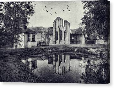 Valle Crucis Abbey V2 Canvas Print by Ian Mitchell