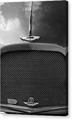 1952 Aston Martin Db2 Grille Emblem Canvas Print