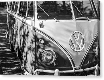 1961 Volkswagen Vw 23-window Deluxe Station Wagon Emblem Canvas Print