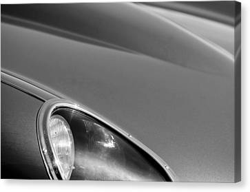 1963 Jaguar Xke Roadster Headlight Canvas Print by Jill Reger