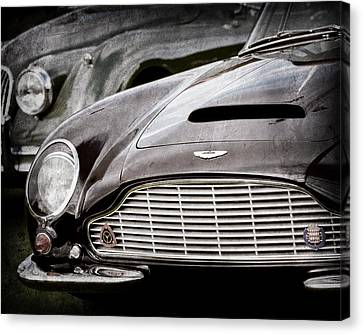 1965 Aston Martin Db6 Short Chassis Volante Grille Canvas Print by Jill Reger