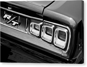 1968 Dodge Coronet Rt Hemi Convertible Taillight Emblem Canvas Print by Jill Reger