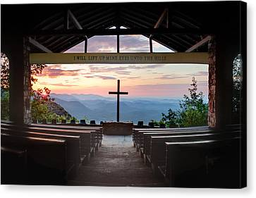 A Good Morning At Pretty Place Canvas Print by Rob Travis