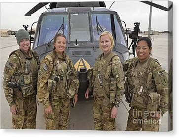 A U.s. Army All Female Crew Canvas Print by Stocktrek Images