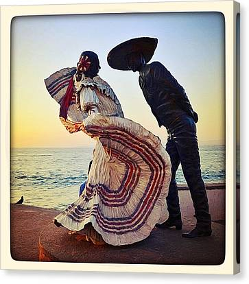 'bailarines De Vallarta' By Jim Demetro Canvas Print
