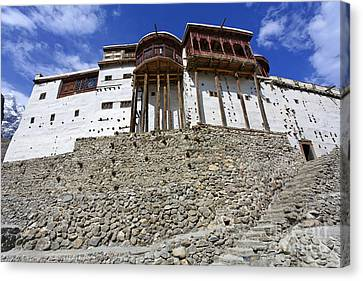 Baltit Fort At Karimabad In The Hunza Valley Pakistan Canvas Print by Robert Preston