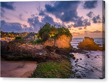 Biarritz Canvas Print by Celso Bressan