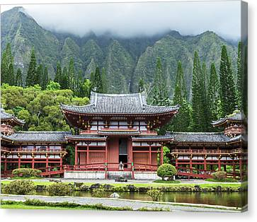 Canvas Print featuring the photograph Byodo-in Temple 1 by Leigh Anne Meeks