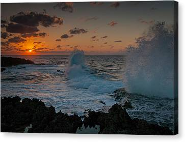 Cape Zampa Sunset Canvas Print by Roger Clifford