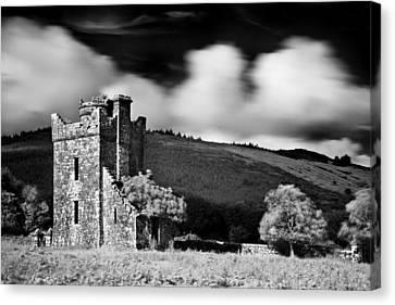 Castle Ruins / Ireland Canvas Print by Barry O Carroll