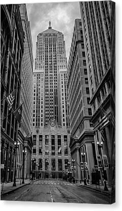 Chicago Board Of Trade Canvas Print by Mike Burgquist