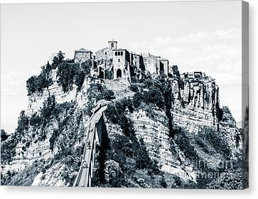 Civita Di Bagnoregio On Plateau Of Friable Volcanic Tuff Overloo Canvas Print by Peter Noyce