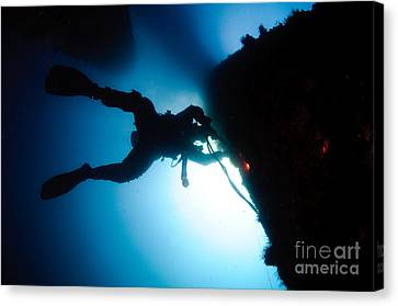Commercial Diver At Work Canvas Print by Hagai Nativ