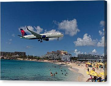 Delta Air Lines Landing At St Maarten Canvas Print by David Gleeson