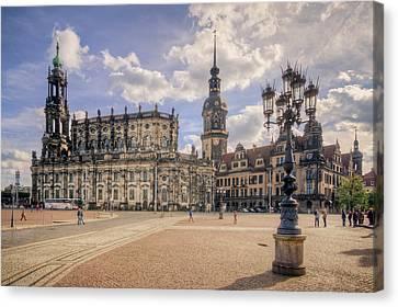 Dresden Theaterplatz Canvas Print by Steffen Gierok